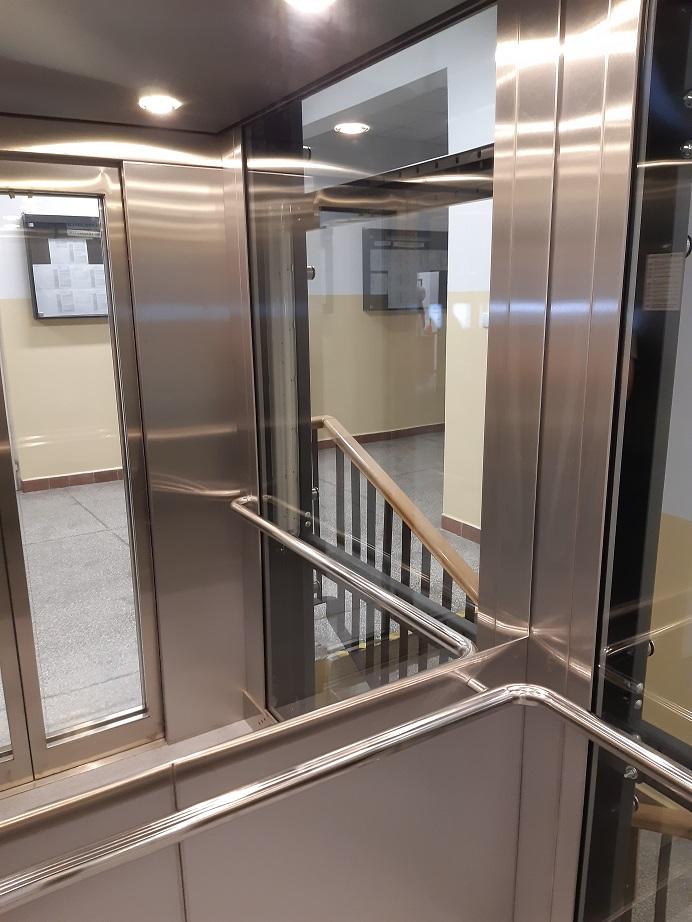 Wnętrze windy