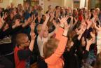 Obchody Europejskiego Dnia Numeru 112 - widownia wypełniona dziećmi