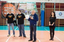 Powitanie uczestników i kibiców przez Rektora Piechockiego